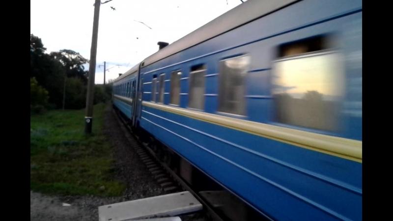Чс7 303 с приветливым Машинистом проходит платформу Карачёвка