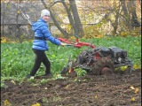 Мотоблок  Беларус-09Н ... и для женщин. Пахота.