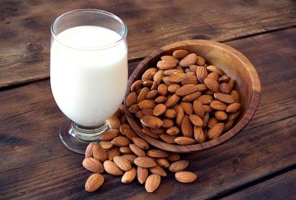 миндаль и молоко