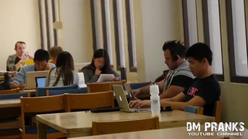 Порно в библиотеке