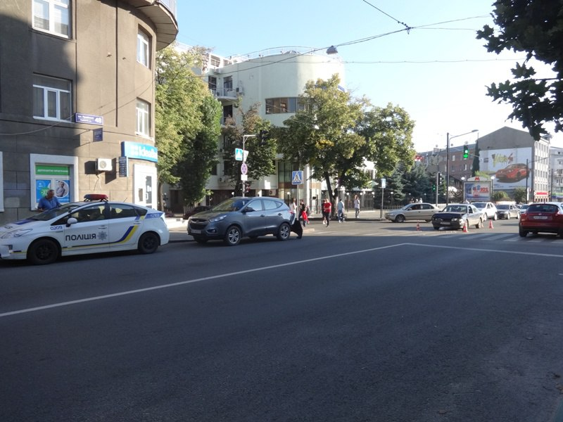 Загадочная авария произошла в Харькове (ФОТО, ВИДЕО)