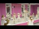 Новогодний детский танец Белые снежинки