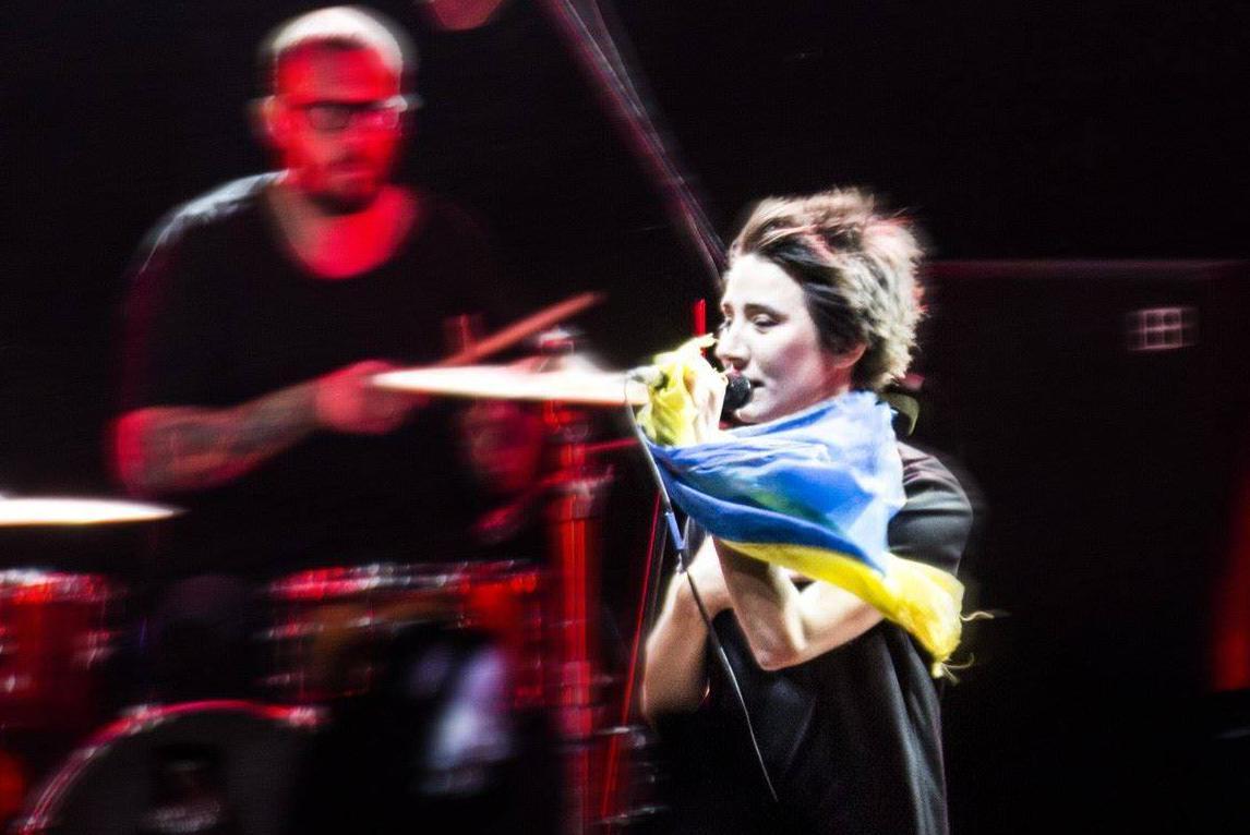Почему Земфира потребовала убрать флаг Украины на своем концерте в Вильнюсе?