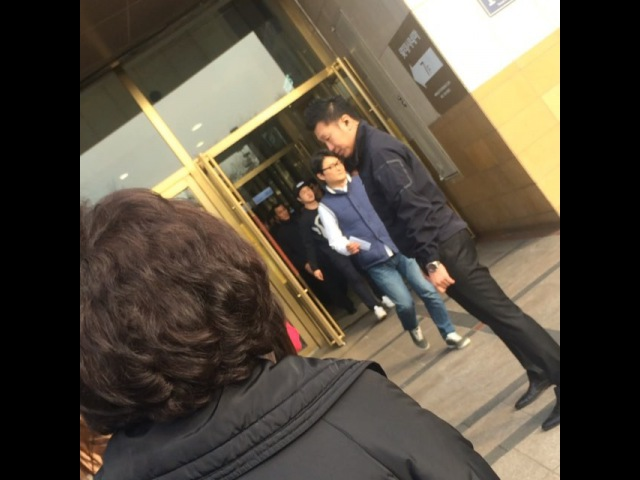 @bon mj on Instagram 꺄 👀 무인 가는 길에 봄ㅋㅋ 나도 빨리 보러 가야징 공유 전도연 남과