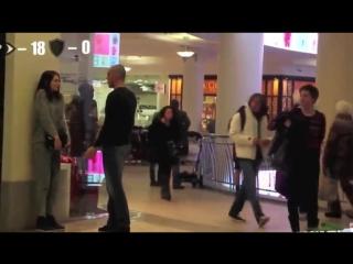 Реакция мусульманских и русских парней на приставание к девушкам!!! Смотреть всем!!!