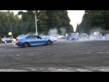 BMW M5 F10 дрифт валит боком в Москве