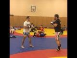 """Артур Гусейнов on Instagram: """"Для подготовки к очередному бою необходимо уделять время работе по лапам. И в этом мне помогает отличный тренер,  неоднократный чемпион…"""""""