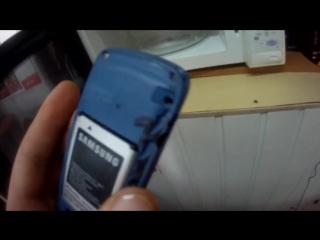 Что будет если положить телефон в микроволновку