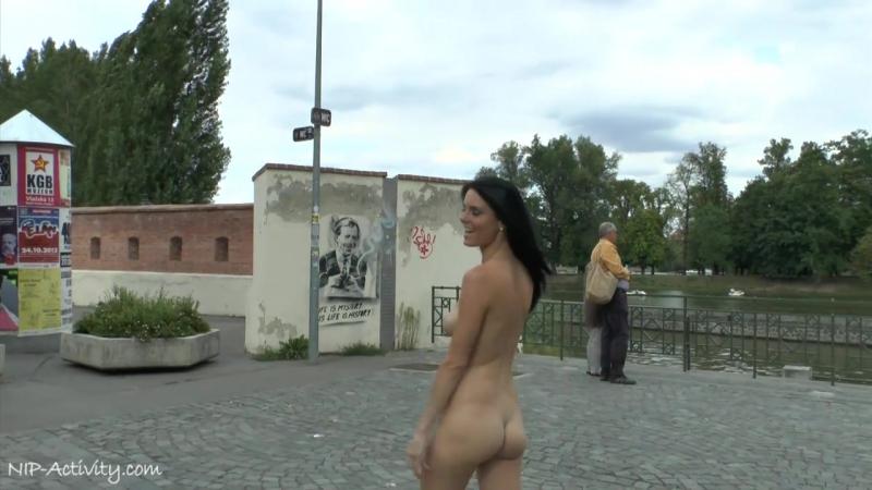 Eileen Nude in Public 2