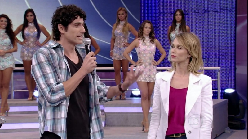 10/03/2013 › Рейналдо и Мариана Шименес на шоу «Domingão do Faustão»