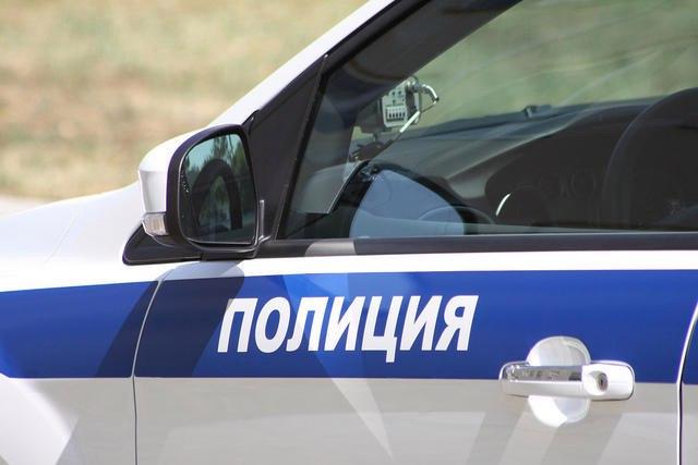 В Зеленчукском районе полицейские задержали автомобиль с наркотиками