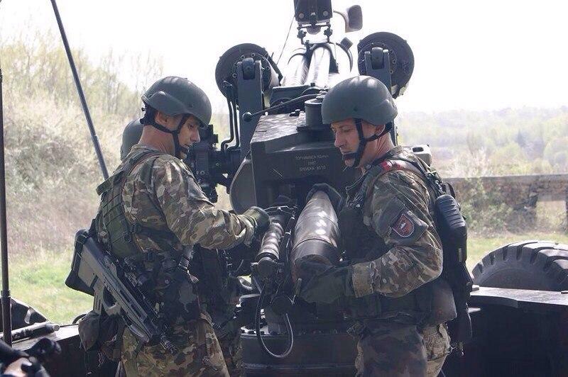 Európai szárazföldi erők QTFpXznIAA0