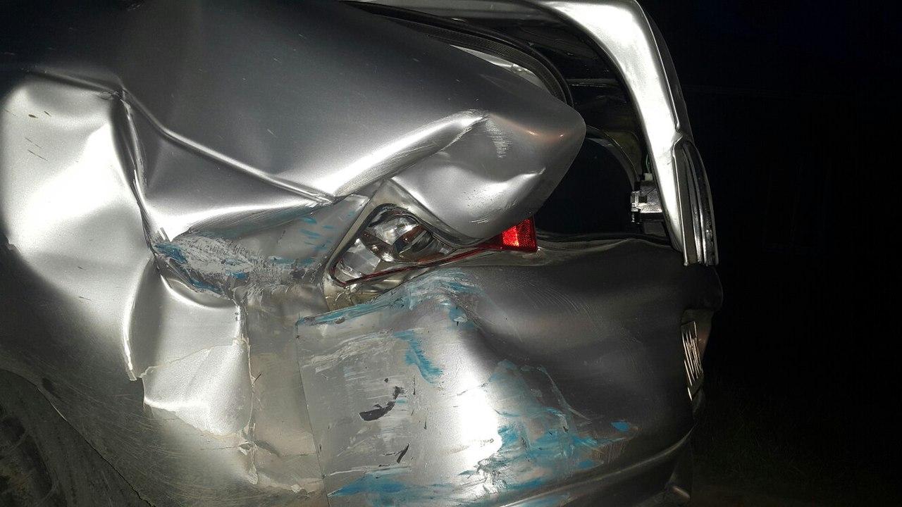 Вчера в Таганроге «семерка» столкнулась с припаркованной «десяткой»
