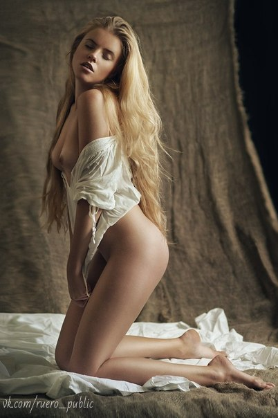 Lovely thin Cindy behind the doors
