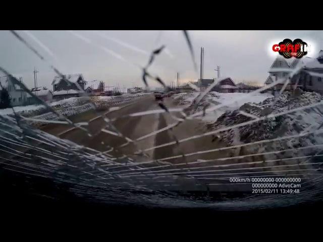 Подборка дтп и аварий Неожиданно прилетело в лобовое на ровном месте