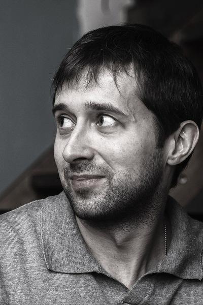 Денис Ухинов
