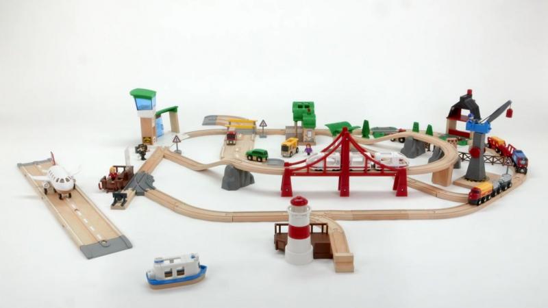 BRIO 33766 Город с аэропортом, портом, фермой и автостанцией в магазине игрушек Ярик76.рф