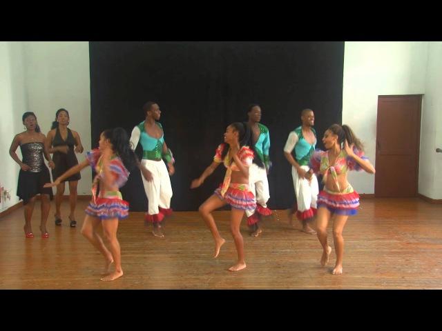 Conga Comparsa Dance Routine Grupo BanRara Havana Cuba 2013