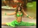 Супер красавица танцует танец живота, очаровывает своим красивым телом.
