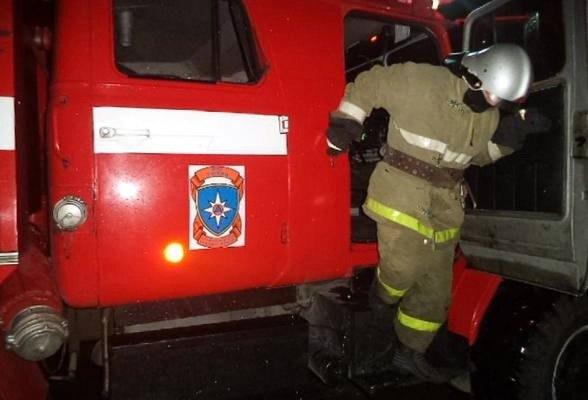 На улице Билибина от пожара пострадал частный дом