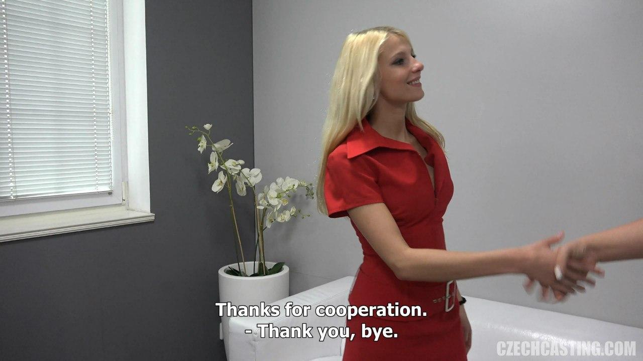 Блондинку благодарят за чешский порно кастинг