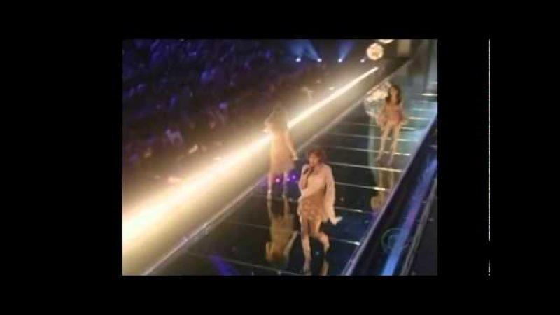 Destiny's Child Victoria's Secret Fashion Show 2002