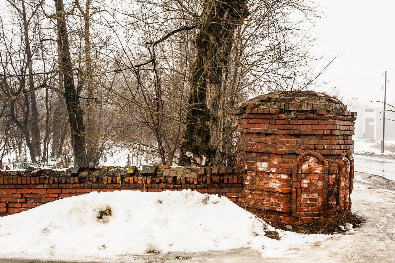 Кладбищенская ограда