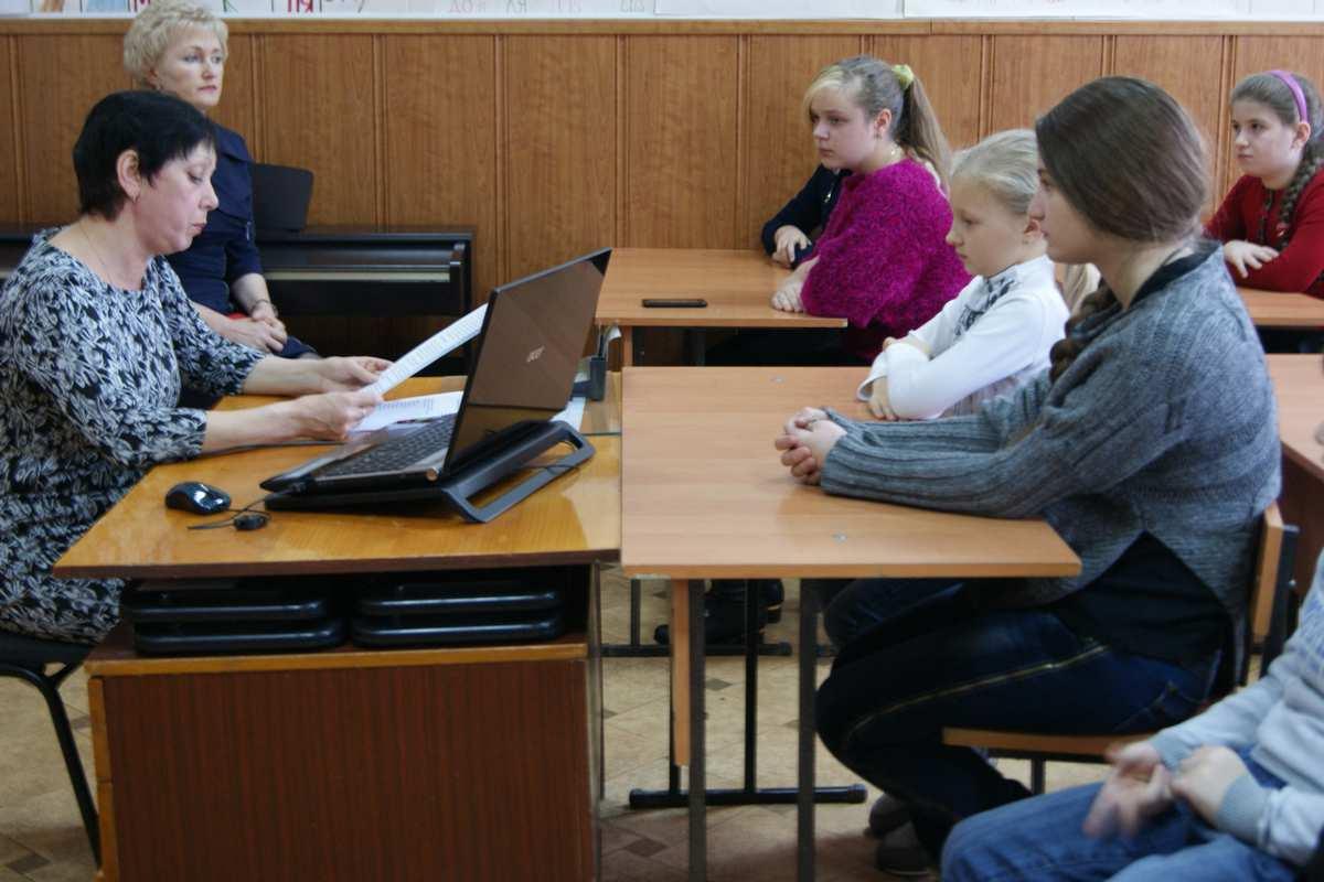 В Зеленчукской Детской школе искусств «Лира» прошёл музыкальный час «Светлая музыка Моцарта»