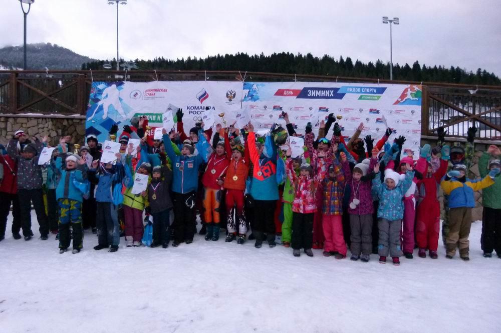 Спортсмены из Зеленчукского района призеры соревнований по зимним видам спорта в Архызе