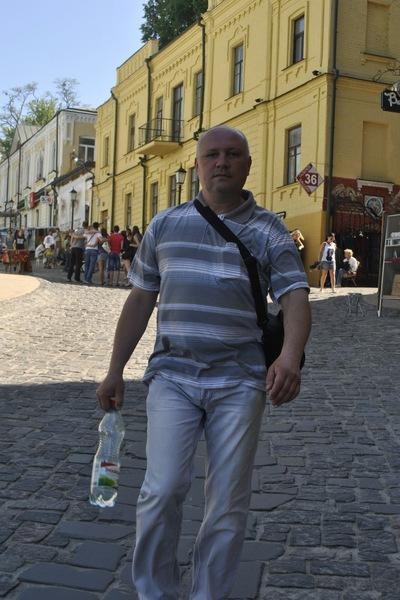 Олег Реутов
