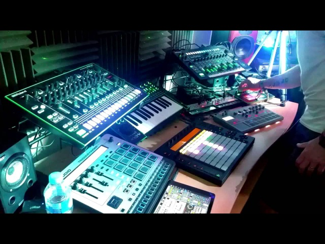 Live Acid Electronica - Low- TR8, TB3, System 1, MX1, Volca Bass, Electribe 2, Ableton Push
