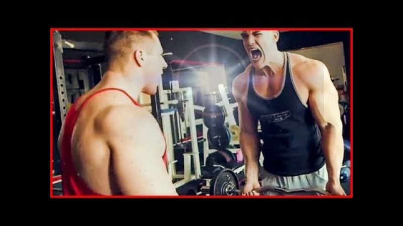 Natural Bodybuilder, Athleten Fitness Models im Training - Muskelaufbau Motivation