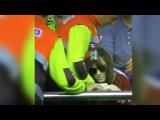 Messi golpea con el balón a una chica y la duerme! 20/03/2016
