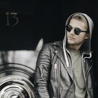 Артём  Бизин