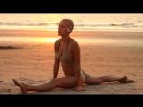 Эту девушку я увидел на пляже и незаметно начал снимать - YouTube