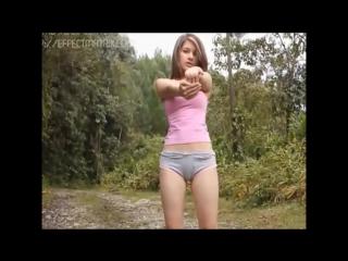 Девушка на природе в трусиках и розовой футболочке (музыка Stellar - Marionette Inst.)