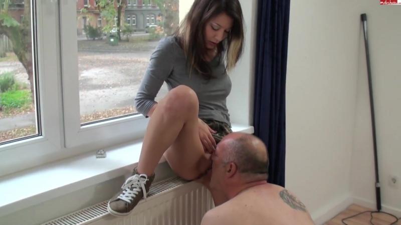 Порно куни делает дед