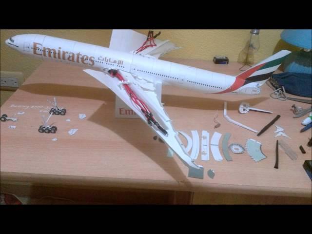 Emirates B777 300ER Papercraft with LED lights