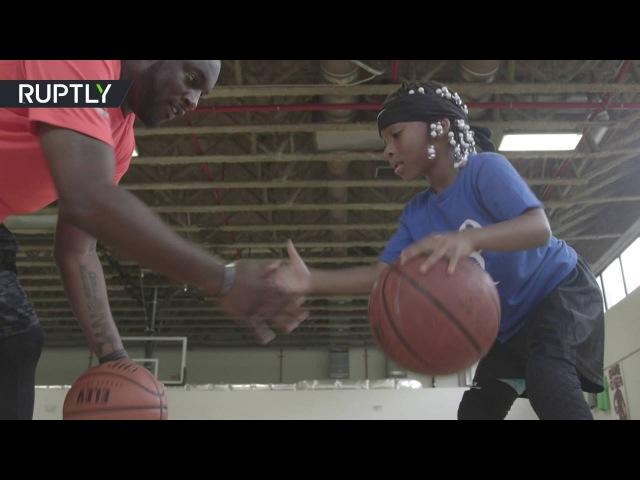 6-летняя девочка покорила интернет своими навыками игры в баскетбол
