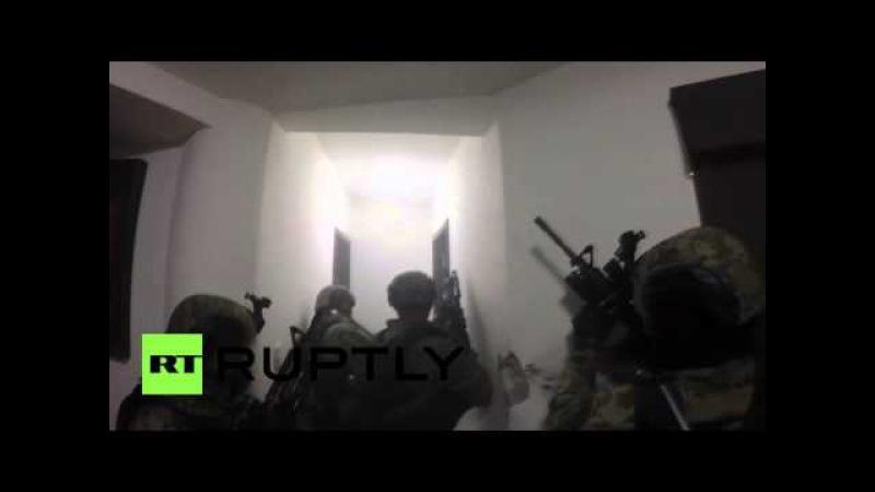 Полиция Мексики опубликовала видео cпецоперации по поимке наркобарона Коротышки