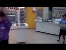 Разброс Сотовых С Витрины в магазине  связной