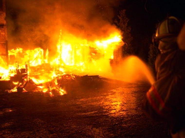 В Таганроге на Северном сгорела сауна, спасено 7 человек
