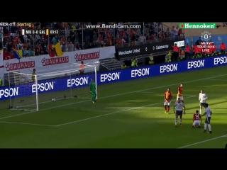 Чудовищный гол Ибрагимовича ударом через себя в дебютном матче
