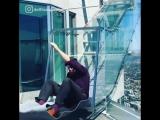 Экстрим в офисе: Стеклянная горка на высоте 300 метров длиной 14 метров за 8 баксов в Лос-Анжелесе