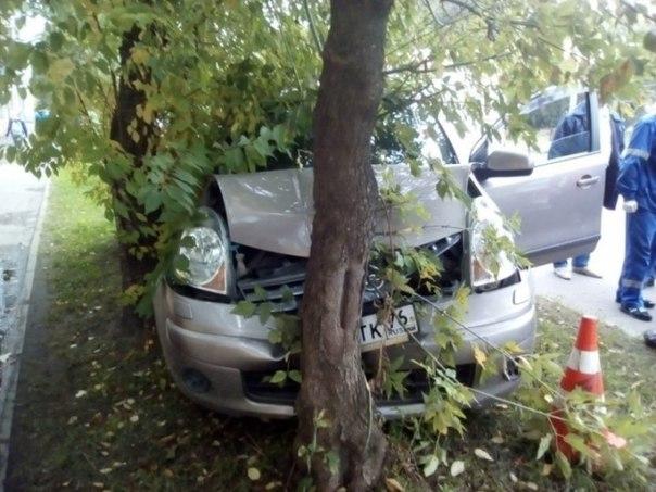 Сегодня, 12 сентября, в 17- 45, на улице Свободы в Рыбинске автомобиль