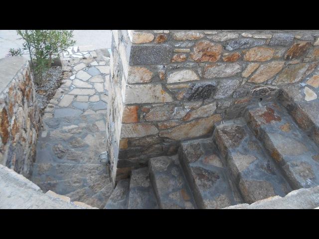 Винтовая лестница из камня / Spiral staircase made of stone