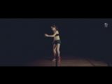 Девочка научилась танцевать благодаря роликам в интернете (Pirat Video)