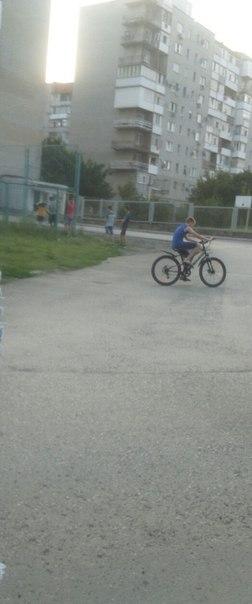 Ищем мальчиков 28.07 вечером, были на ПМК возле футбольного поля. Двое из вас были на велосипедах.