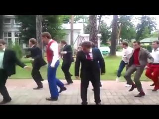 Крутые и смешные танцы - Нарезка - Funny dancing