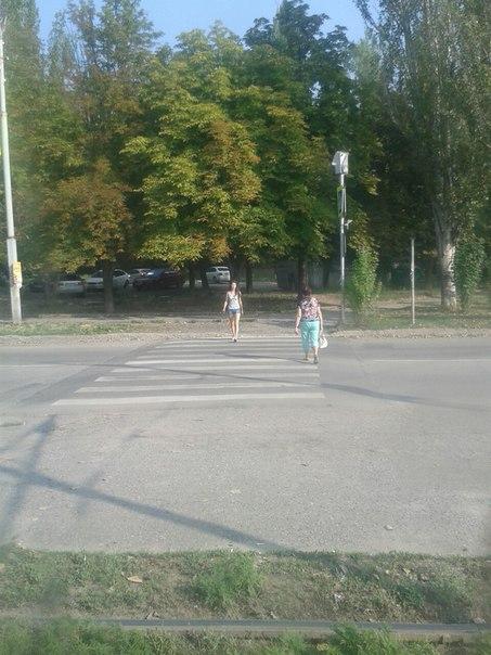 Ищу очеровательную и милую девушку, переходила дорогу по улице морозова, 28.07.1...